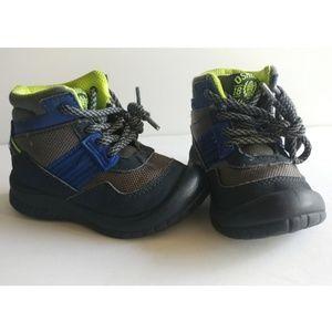 OshKosh B'gosh Shoes - OshKosh B'gosh multi- color winter boots size 6